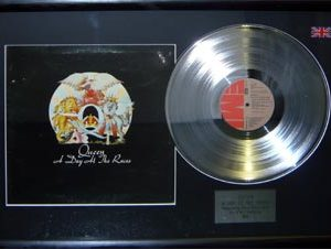 Queen: Framed Discs - Silver Album - A Day at the Races