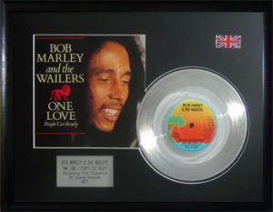 Bob Marley And The Wailers: Framed Discs - Silver Single - One Love